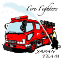消防士と消防車と桜の花びら