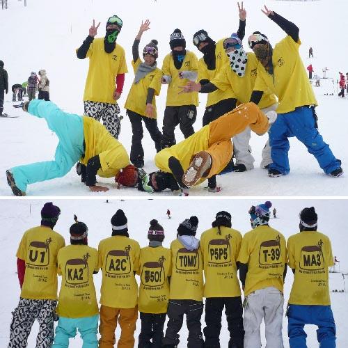 スノーボードチームのオリジナルTシャツ