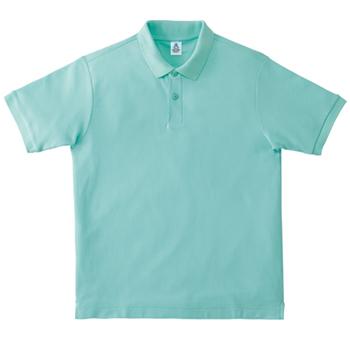 ミントグリーンのポロシャツ