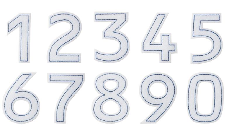 白のフェルト型抜き紺のステッチ