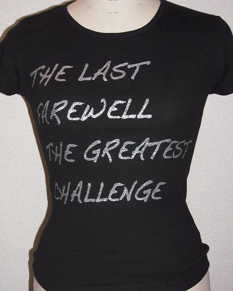 シルバーのグリッタープリントTシャツ