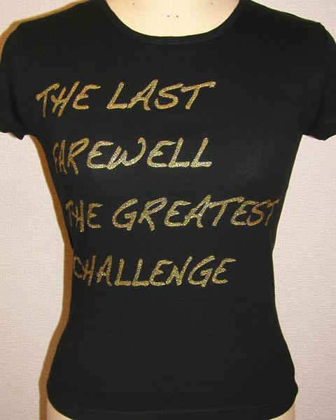 ゴールドのグリッタープリントTシャツ