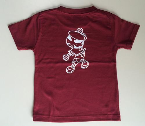 バーガンディ色のジュニアサイズTシャツ後身